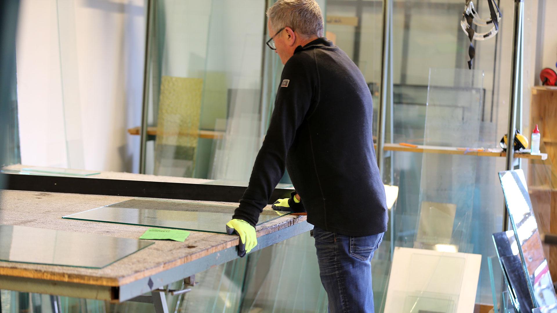 NAMDAL GLASSERVICE · BILGLASS · BYGNINGSGLASS · INNGLASERING